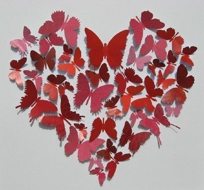 Сердце из бабочек на стене своими руками