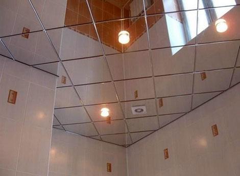 Зеркальный подвесной потолок из панелей: максимально точное отражение