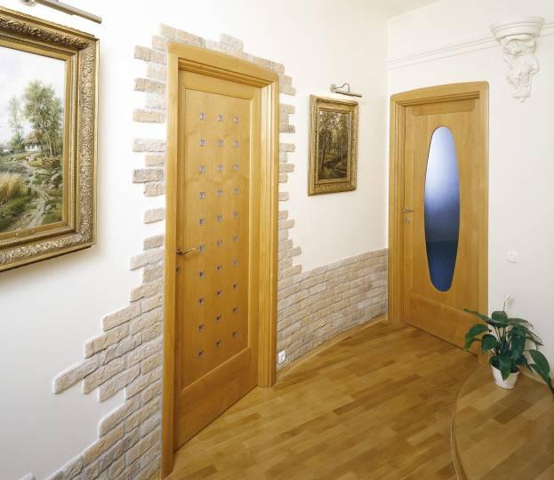 Отделка дверного проема декоративным камнем своими руками фото