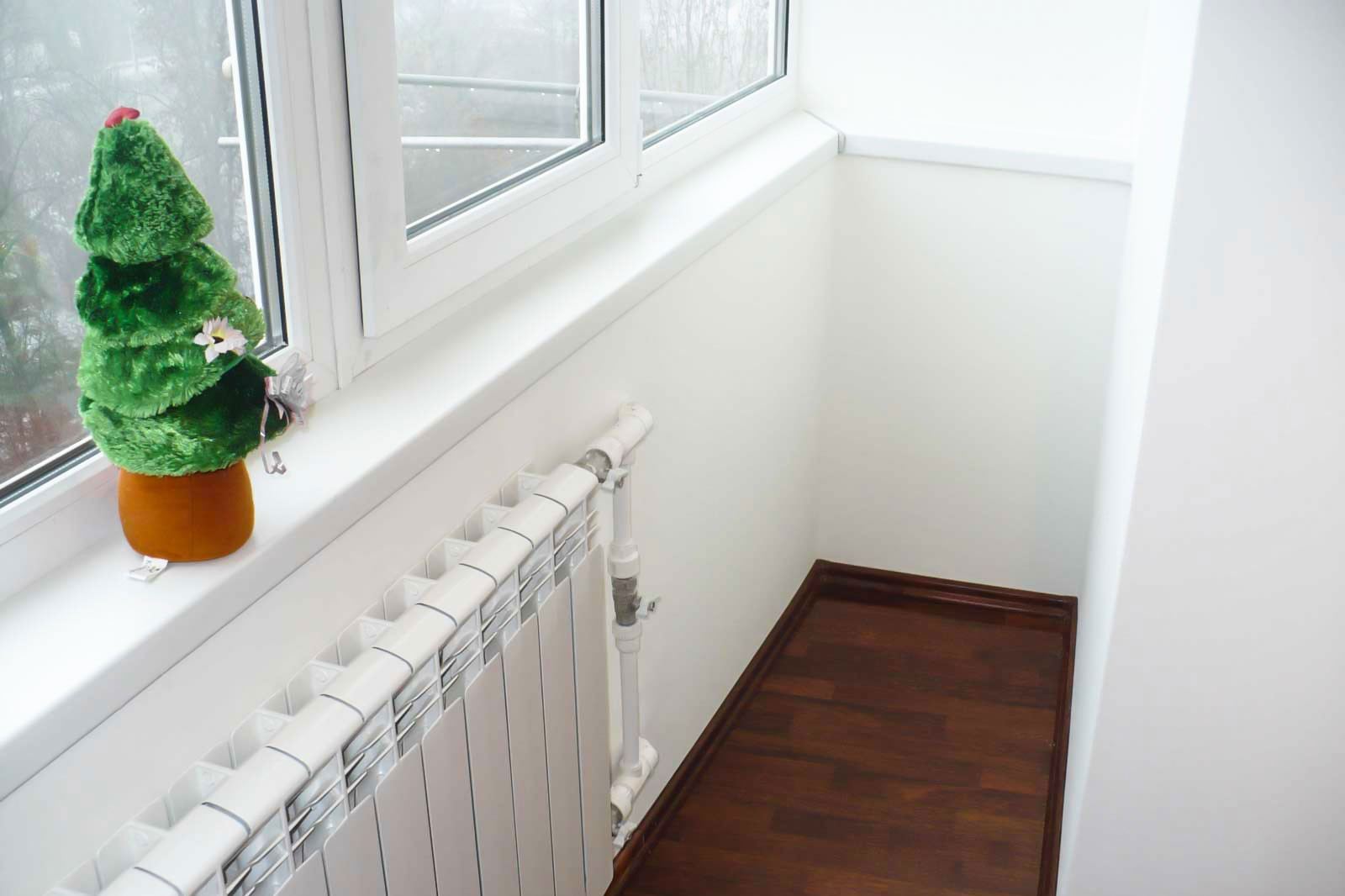 Как провести отопление на лоджию или балкон.