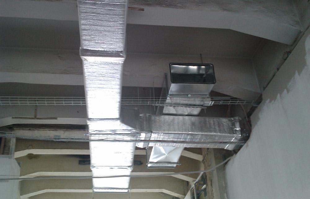Воздуховоды монтируются задолго до окончания строительства