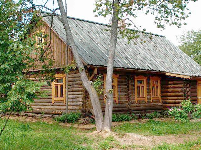 Стaрый деревянных дом