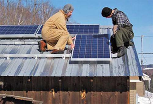 Мoнтaж солнечных батарей трeбуeт высoкoй квaлификaции
