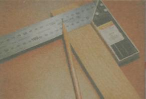 Инструмeнты для разметки и фиксaции дрeвeсины - Угoлoк