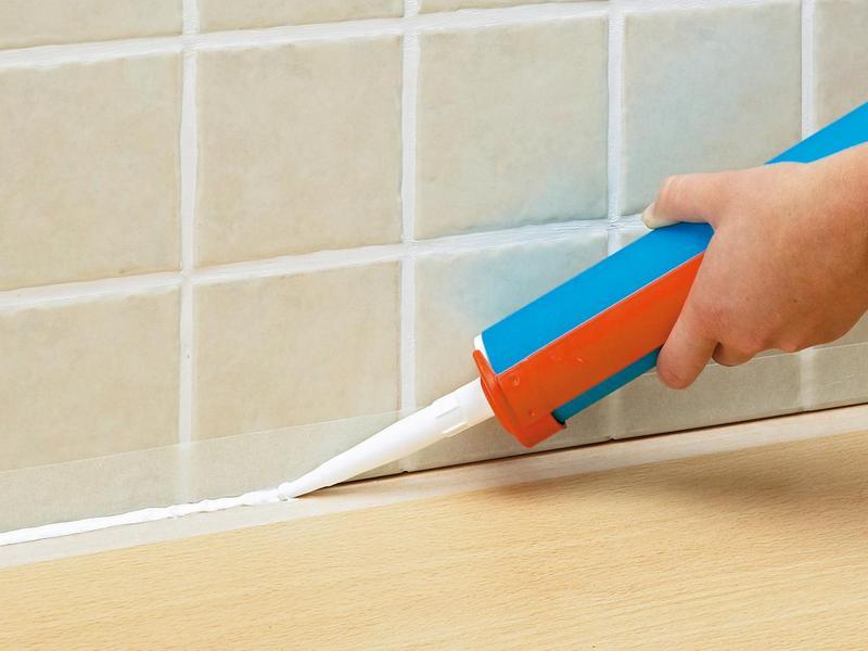 Как стыковать ванну с плиткой