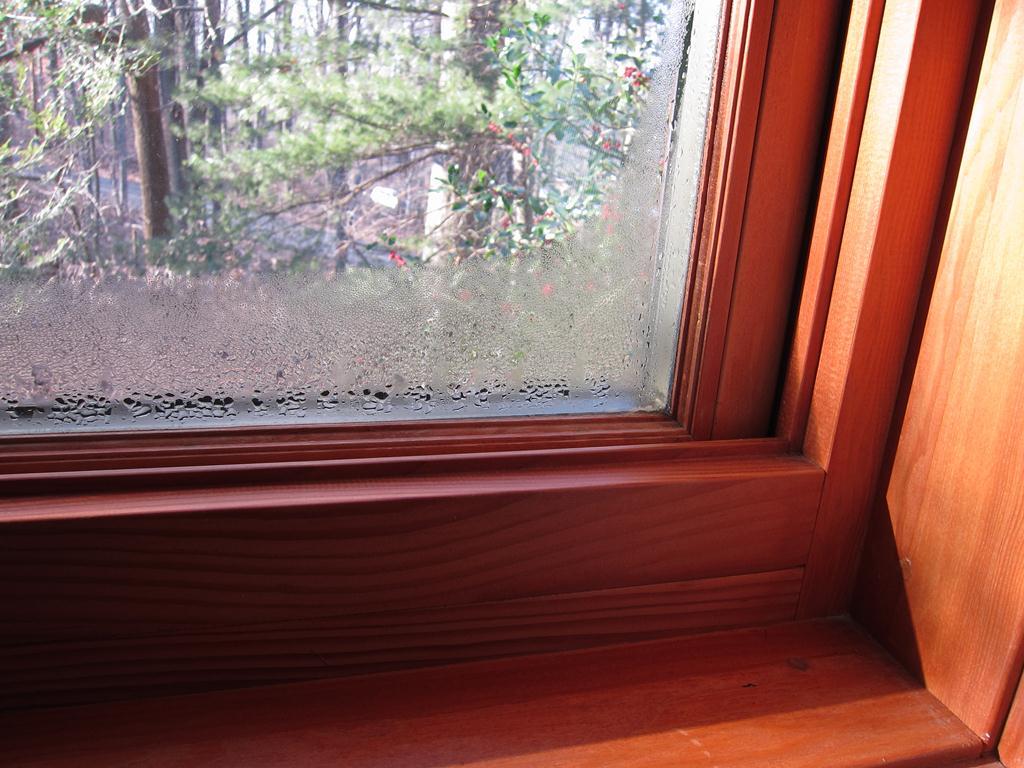 Картинки по запросу Как правильно красить деревянные окна?