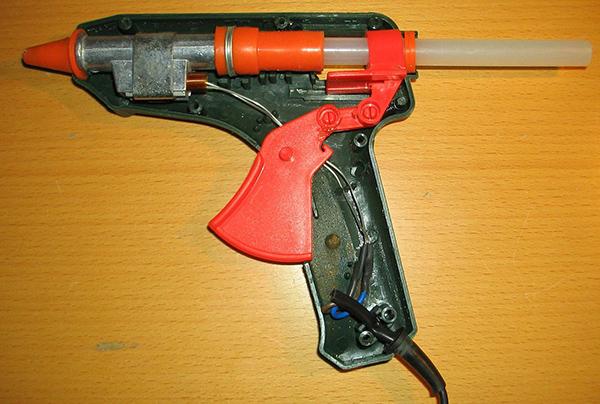 Стержни для клеевого пистолета белые