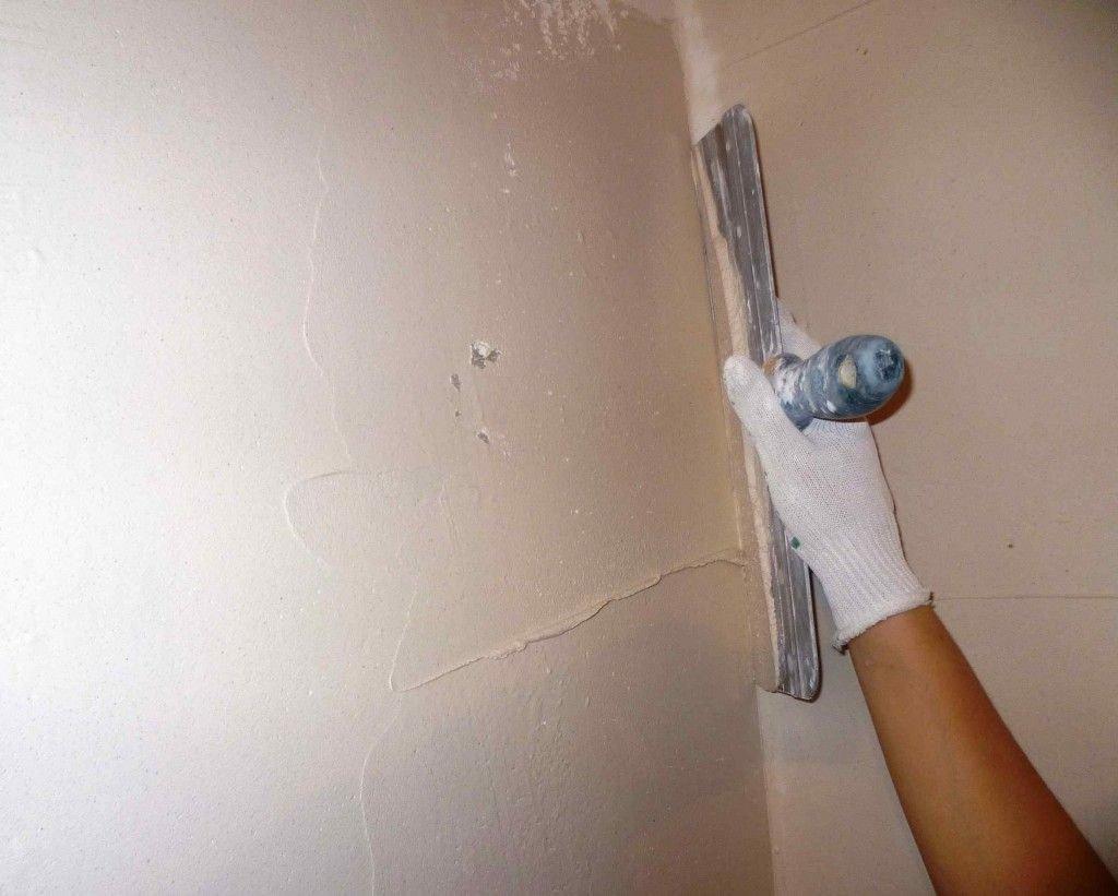 Как зашпаклевать стены под обои своими руками фото 156