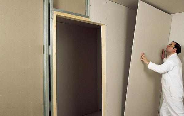 Выравнивание стен гипсокартоном без каркаса   видео