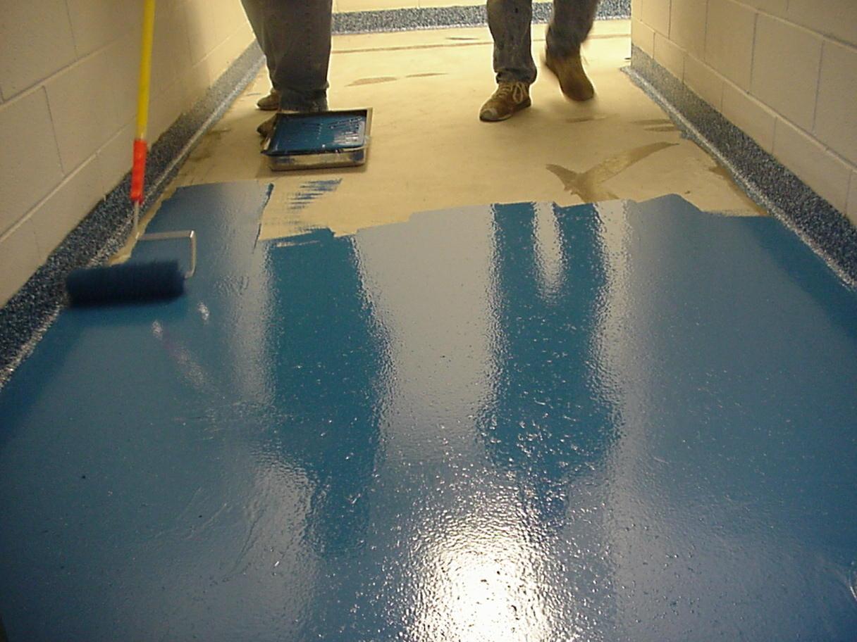 какими красками красят бетон