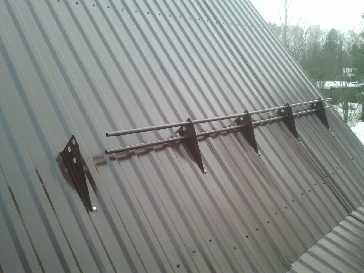 снегозадержатели на крышу своими руками видео