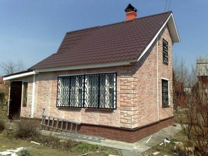 Отделка стен дачного домика