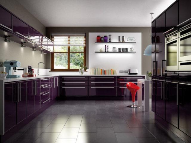 Кухня цвета баклажан