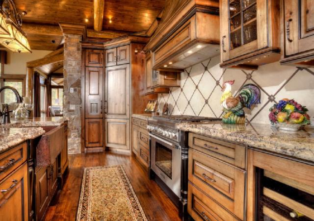 Кухня в стиле шале + фото