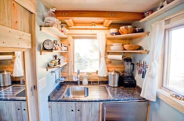Выбираем стиль оформления кухни на даче