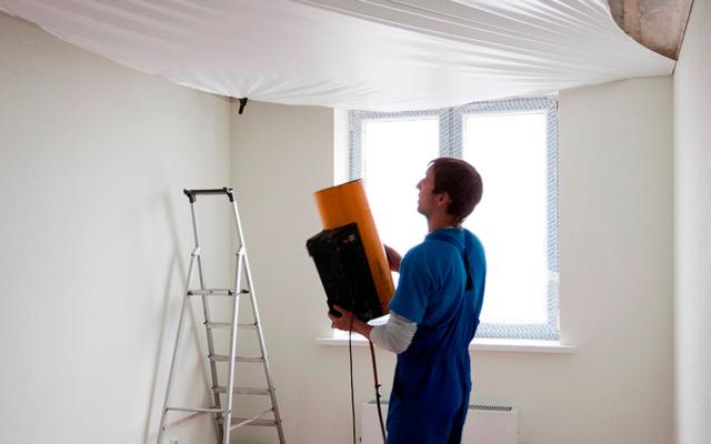 Натяжной потолок на кухне: фото, недостатки, отзывы