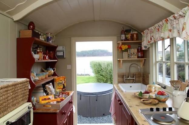 Маленькая кухня на даче