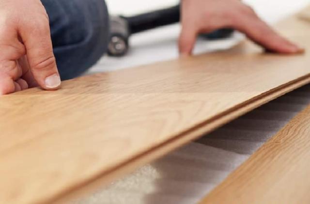 Как положить ламинат на кухне своими руками