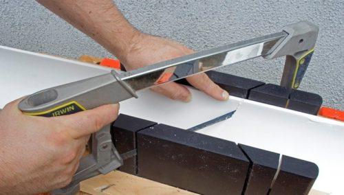 Резиновый плинтус для натяжных потолков