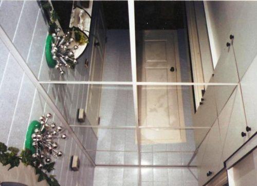 Отделка потолка ПВХ панелями