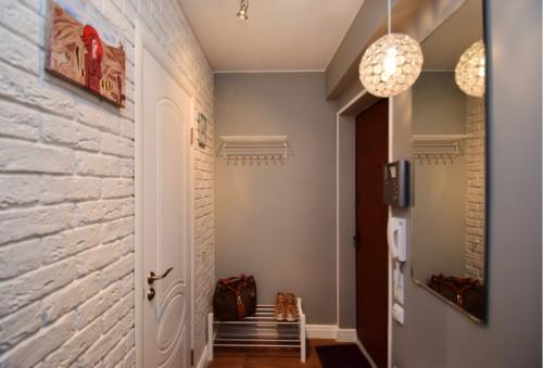 Потолок в прихожей: дизайн, фото