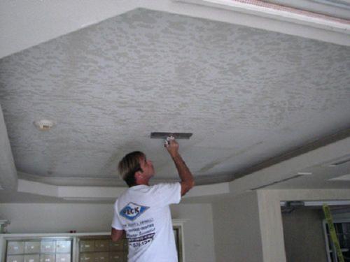 Фактурная краска для потолка