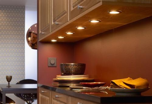 Освещение на кухне с натяжным потолком