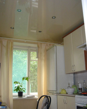 Натяжные потолки в хрущевке: фото