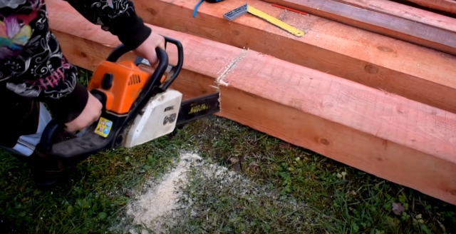 Технология замены нижних венцов деревянного дома