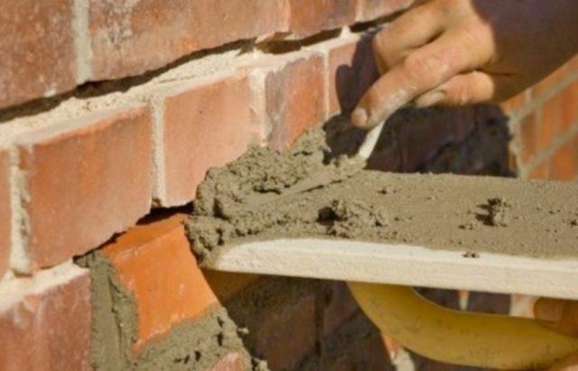 Как заменить кирпич в печке, облицовочной кладке дома своими руками